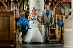 trouwfoto kerk - Google zoeken Mermaid Wedding, Wedding Dresses, Google, Fashion, Bride Dresses, Moda, Bridal Gowns, Alon Livne Wedding Dresses, Fashion Styles