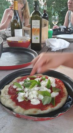Poderaccio Organic Agritourism, Tuscany. Pizza night with guests http://www.organicholidays.com/at/3163.htm