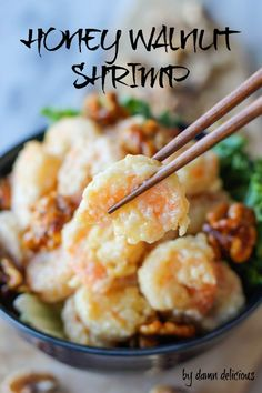 Honey Walnut Shrimp - Budget-friendly crispy battered shrimp tossed in a creamy, sweet mayonnaise mixture, topped with caramelized walnuts! Via Damn Delicious Yummy Recipes, Shrimp Recipes, Fish Recipes, Asian Recipes, Cooking Recipes, Cookbook Recipes, Chinese Recipes, Cooking Tips, Healthy Recipes