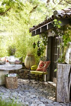 Don't be tempted to overspend when creating the perfect outdoor space. The large backyard landscaping ideas can get costly quickly if you're not careful. Outdoor Rooms, Outdoor Gardens, Outdoor Living, Outdoor Decor, Wood Gardens, Outdoor Fun, Dream Garden, Home And Garden, Garden Living