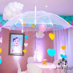 ☔️ #chuvadeamor  #chuvadebençãos  #festaemnatal  #amorpeloquefaço Fiesta Baby Shower, Baby Shower Parties, Baby Shower Themes, Baby Boy Shower, Girl Birthday Themes, Baby Birthday, Birthday Parties, Bridal Shower Decorations, Birthday Decorations
