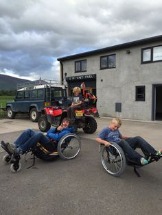 The team ready to test the new buggy's on the tow