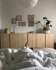 There's nothing Better when compared to a brilliant IKEA Hack of worn place, and it is a superb explanation to Small Space Interior Design, Home Design, Home Bedroom, Bedroom Decor, Parents Room, Fashion Room, Interior Design Living Room, Home And Living, Home Furniture