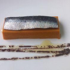 Mus d'escalivada amb sardines de #SFG marinades #km0slowfood #menúagost #estiu #retaurant #Girona