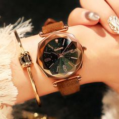 klassische mode-accessoires The post Classic Fashion Accessories Klassische Mode Accessoires appeared first on DIY Projects. Fashion Necklace, Fashion Jewelry, Women Jewelry, Fashion Sandals, Fashion Rings, Fashion Clothes, Fashion Boots, Fashion Fashion, Fashion Women