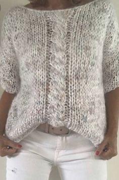 Blog da Mari Calegari 50 sugestões de blusas de tricô feito à mão para mulheres - Blog da Mari Calegari Gilet Crochet, Crochet Cardigan, Knit Dress, Knit Crochet, Crochet Hats, Knitting Patterns, Crochet Patterns, Knitting Stiches, Mohair Sweater
