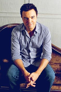 Seth MacFarlane- would love to meet him! he makes the best shows ever! Seth Macfarlane, Fangirl, Charming Man, American Dad, Love To Meet, Stuff And Thangs, Most Popular Memes, Celebs, Celebrities