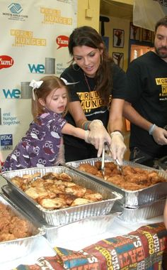 Celebs serve lunch at the Yum! Brands food drive