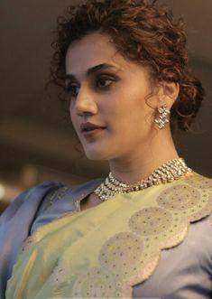 Indian Actress Photos, Indian Bollywood Actress, Beautiful Indian Actress, Indian Actresses, All Actress, Taapsee Pannu, Net Lehenga, Hd Picture, Celebs