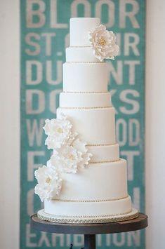 Wedding Cakes White Tall 60+ Ideas Pretty Wedding Cakes, Amazing Wedding Cakes, White Wedding Cakes, Elegant Wedding Cakes, Elegant Cakes, Wedding Cake Designs, White And Gold Wedding Cake, White Cakes, Cake Wedding