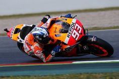 Marc Marquez - 2013 MotoGP Champion - Elbow all the way down! Shoei Helmets, Marc Marquez, All The Way Down, Motogp, North America, Honda, Champion