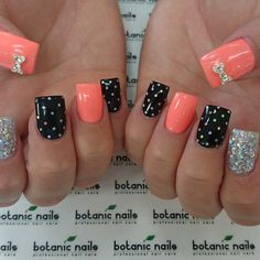 Botanic nails orange, black and silver Get Nails, Fancy Nails, Love Nails, Trendy Nails, Pink Nails, Glitter Nails, Hair And Nails, Black Nails, Silver Glitter