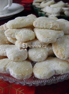 Pískové vánoční cukroví Food And Drink, Cookies, Desserts, Crack Crackers, Tailgate Desserts, Deserts, Biscuits, Postres, Cookie Recipes