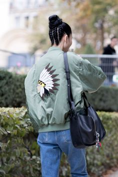 THE BEST OF THE IMPRESSION'S PARIS FASHION WEEK MODELS OFF-DUTY STREETSTYLE SPRING 2017 Off-Duty | Paris Models Street Style Spring 2017 Day 4 2016-10-19T16:36:08+00:00 2016-10-19T16:36:08+00:00 Kenneth Richard