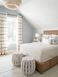 Interior Design Ideas: Tailored Interiors - Neutral bedroom with cozy textures. A relaxing, warm, and romantic master bedroom to come home to. Warm Home Decor, Cheap Home Decor, Awesome Bedrooms, Beautiful Bedrooms, Home Interior, Decor Interior Design, Apartment Interior, Interior Modern, Studio Apartment
