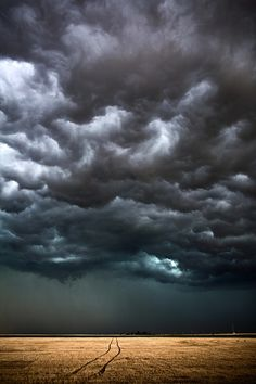 Camille Seaman captures the most incredible clouds.