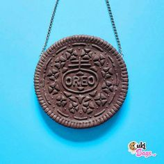 Tag a frind who loves Oreos  this is a handmade BAG /PURSE from rubber silicone and a little bit of magic  . #oreo #bag #handmade #oreos #bags #purse #iloveoreo #iloveoreos #oreobag #oreopurse #custombags #ilovehandmade #chocolate #ilovechocolate #CukiBags #funnybag #purses #amazing #unique #big #bigcookie #bigoreo #giantoreo #jumbooreo #polymerclay #crafts #oreocake #oreocheesecake #instafoodie #instafood . @anatudoraa  @deliciumic Clutch Bag, Crossbody Bag, I Love Chocolate, Custom Bags, Im In Love, Handmade Bags, Oreo, Purses And Bags, Polymer Clay