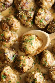 Swedish Meatballs - Nothing beats homemade meatballs smothered in a creamy gravy sauce, and they taste much better than the IKEA version! These were super yummy! Made enough for two meals. Banting Recipes, Meat Recipes, Cooking Recipes, Healthy Recipes, Meatball Recipes, Recipes Dinner, Meatball Soup, Potato Recipes, Gastronomia