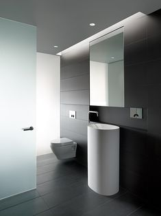 Panels with Rings Home Interior Decorating in Style Private Residence in San Francisco / Garcia Tamjidi Architecture Design. Minimalist Bathroom Design, Modern Bathroom Design, Bathroom Interior Design, Modern Interior, Kitchen Design, Bathroom Designs, Minimal Bathroom, Bath Design, Modern Luxury