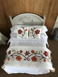 Bed Throws, Bed Pillows, Embroidered Bedding, Hand Embroidery Flowers, Foot Of Bed, Double Beds, Floral Motif, Bed Sheets, Pillow Cases