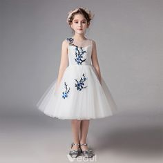 Chic / Beautiful Ivory See-through Flower Girl Dresses 2019 A-Line / Princess Scoop Neck Sleeveless Embroidered Knee-Length Ruffle Wedding Party Dresses Girls Party Dress, Wedding Party Dresses, Ivory Dresses, Formal Dresses, Fashion Children, Children Clothes, Kids Outfits, Scoop Neck, Flower Girl Dresses