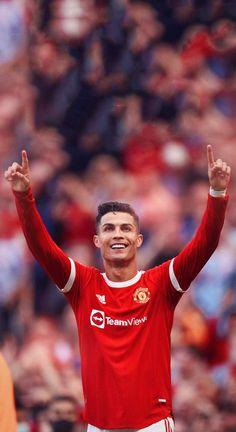 Cristiano Ronaldo Goals, Cristiano Ronaldo Manchester, Cristiano Ronaldo Wallpapers, Cristiano Ronaldo 7, Manchester United Old Trafford, Manchester United Players, Cr7 Wallpapers, Real Madrid Wallpapers, The Last Kingdom Actors