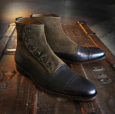 Men's ankle boots with multiple buckle motorcycle brogue shoes 👢myalleshop Mens Short Boots, Mens Ankle Boots, High Ankle Boots, Slip On Boots, Big Men Fashion, Mens Boots Fashion, Men's Fashion, Cool Boots, Men's Boots
