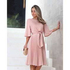Modest Dresses, Simple Dresses, Pretty Dresses, Casual Dresses, Fashion Dresses, Classy Dress, Classy Outfits, Beautiful Outfits, Mode Outfits