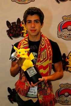 Jaime Martinez subcampeón mundial de Pokemon    http://www.europapress.es/portaltic/videojuegos/noticia-espana-logra-17-medallas-copa-pikachu-20120814094117.html