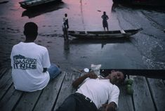 Alex Webb, Esmeraldas. 1999. Palma Real. On the pier.