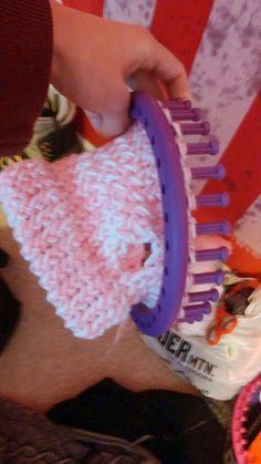 Corky Crafts & Knit Hats: Loom Knitting a Dog Sweater – Trend Knitting Patterns 2020 Round Loom Knitting, Loom Knitting Stitches, Knifty Knitter, Loom Knitting Projects, Arm Knitting, Yarn Projects, Knitting Tutorials, Knitting Machine, Knitted Dog Sweater Pattern