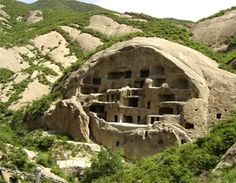 Ancient Cliff Dwellings -- The Badaling Great Wall - I would love to see a modern day redux of this.