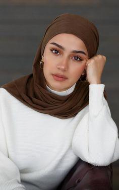 Modern Hijab Fashion, Hijab Fashion Inspiration, Muslim Fashion, Mode Inspiration, Hijab Turban Style, Mode Turban, Hijab Outfit, Hijabi Girl, Girl Hijab