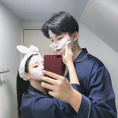 came to share with you some Asian couple pics . Mode Ulzzang, Ulzzang Girl, Korean Couple, Best Couple, Cute Relationship Goals, Cute Relationships, Cute Korean, Korean Girl, Couple Ulzzang
