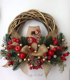 Unique Christmas Wreath Designs Unique Christmas Wreath Designs and Ideas will Make Your Door Charming for the Holidays. Get your home in the spirit with theseChristmas Wreath Designs. Christmas Wreaths With Lights, Outdoor Christmas Decorations, Holiday Wreaths, Winter Wreaths, Spring Wreaths, Summer Wreath, Noel Christmas, Rustic Christmas, Christmas History