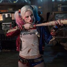 The Suicide Squad director James Gunn reveals he's read the script for DC's Birds of Prey (And the Fantabulous Emancipation of One Harley Quinn). Toddler Girl Halloween, Halloween Costumes For Girls, Vintage Halloween, Halloween Masks, Margot Elise Robbie, Margot Robbie Harley Quinn, Harley Quinn Drawing, Joker And Harley Quinn, Hearly Quinn