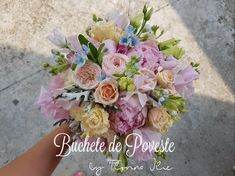 Buchet mireasa roz Floral Wreath, Wreaths, Home Decor, Horsehair, Decoration Home, Room Decor, Bouquet, Flower Band, Interior Decorating