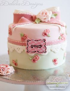 Shabby Chic Cake by DeliciaDesigns Love the painting on the fondant flowers and stitch marks