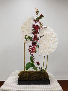 Eucharist, Garden Club, Interior Plants, Altar, Creative Design, Floral Arrangements, Home Accessories, Diy And Crafts, Floral Design