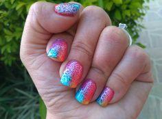 Nail art arcoiris + stamping