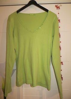 Kaufe meinen Artikel bei #Kleiderkreisel http://www.kleiderkreisel.de/damenmode/pullis-and-sweatshirts-langarmlig/88368980-hellgrunes-shirt-mit-knopfen-fruhling