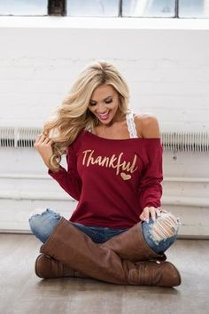 """""""Thankful"""" Sweatshirt - Maroon glitter font off the shoulder sweatshirt, Closet Candy Boutique 1 Mode Outfits, Casual Outfits, Casual Attire, Country Outfits, Casual Wear, Casual Shirts, Xl Fashion, Fashion Outfits, Autumn Fashion"""