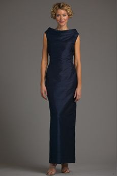 Metropolitan Sheath Gown - Mother of the Bride Gowns - Siri Inc. if this touched the floor or had a slight train? it would be so chic! Mother Of The Bride Dresses Long, Mother Of Bride Outfits, Mothers Dresses, Mother Bride, Bride Groom Dress, Bride Gowns, Mob Dresses, Wedding Dresses, Party Dresses