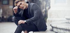 Đồng Hồ Nam DW Và Những Shoot Hình Thời Trang Đỉnh Nhất  Đàn ông trong thế kỷ 21 này không phải chỉ chú ý cho ăn bận tươm tất mà họ còn chú ý đến yếu tố thời trang trong bộ trang phục của mình. Chính vì thế thời trang nam giờ đây càng ngày càng phát triển đa dạng. Món phụ kiện danh tiếng nhất hiện nay: Đồng hồ nam DW là một trong những thương hiệu phủ sóng với mức độ dày đặc trên toàn thế giới.