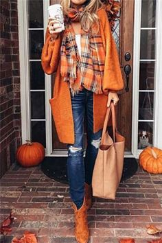 Check out over 60 fall outfits 2018 with jeans or pants, to skirts and dresses. These casual outfits are sure to inspire you for autumn! Fall Outfits 2018, Mode Outfits, Fall Winter Outfits, Autumn Winter Fashion, Casual Outfits, Fashion Outfits, Womens Fashion, Fashion Trends, Fashion Scarves