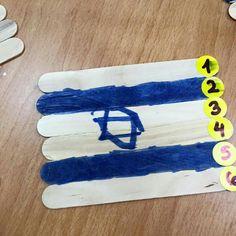 דגל ישראל על מקלות Preschool Classroom Setup, Hebrew School, Preschool Activities, Kindergarten, Crafts For Kids, Projects To Try, December, Concept, Education