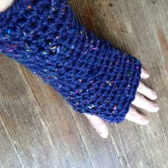 Fingerless Gloves, Handcrafted in Canada by snowytreedesign on Etsy