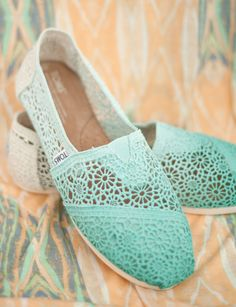 Custom Crochet Ombre TOMS Shoes by metalnlace on Etsy, $100.00