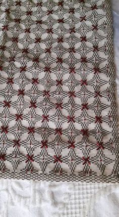 Beaded Embroidery, Cross Stitch Embroidery, Cross Stitch Patterns, Hobbies And Crafts, Diy And Crafts, Hand Embroidery Design Patterns, Swedish Weaving, Needlepoint, Bohemian Rug