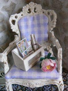 Shabby chic box doll house miniature